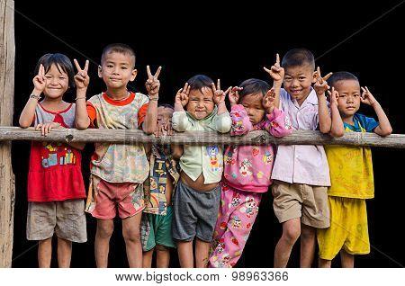 Ta'ang ethnic kids