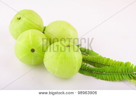 Organic Fresh Indian gooseberries