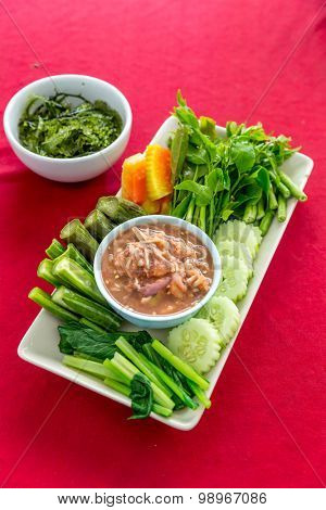 Fresh Shrimp paste chilli sauce with vareity of vegetables thai food