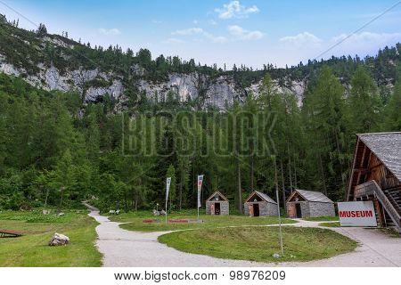 Dachstein Museum, Cave