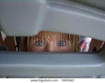 Peeping Kid