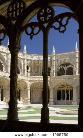 Arcos de claustro del monasterio