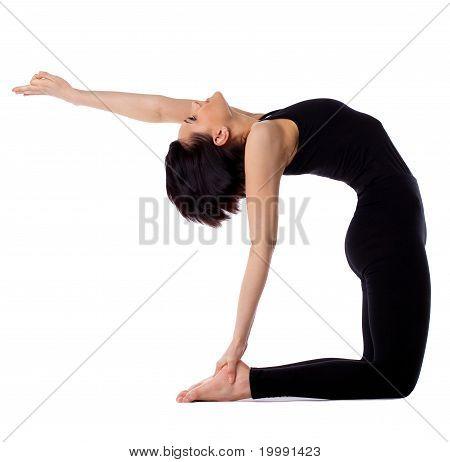 Frau zurück beugt Yoga - Kamel-Pose-isoliert