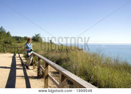 Menina no Senic Vista Lago