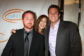 LOS ANGELES - MAY 12:  Scott Grimes, Teri Hatcher, Bob Guiney arriving at the 11th Annual Lupus LA O