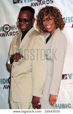 LOS ANGELES - SEPT 10:  Bobby Brown, Whitney Houston arrives at the MTV Video Music Awards at Universal Ampitheatre on September 10, 1998 in Los Angeles, CA