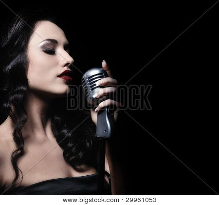 beautiful brunette Woman singen
