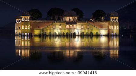 Jaipur Lake Palace (jal Mahal) At Night