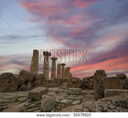 Remains Of An Ancient Greek Temple Of Heracles (v-vi Century Bc), Valley Of The Temples, Agrigento