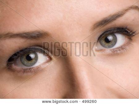 Apenas os olhos