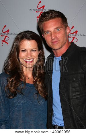 LOS ANGELES - AUG 24:  Melissa Claire Egan, Steve Burton at the Young & Restless Fan Club Dinner at the Universal Sheraton Hotel on August 24, 2013 in Los Angeles, CA