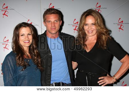 LOS ANGELES - AUG 24:  Melissa Claire Egan, Steve Burton, Catherine Bach at the Young & Restless Fan Club Dinner at the Universal Sheraton Hotel on August 24, 2013 in Los Angeles, CA