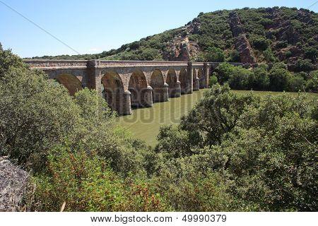 Quintos Bridge, River, Esla, Zamora, Spain