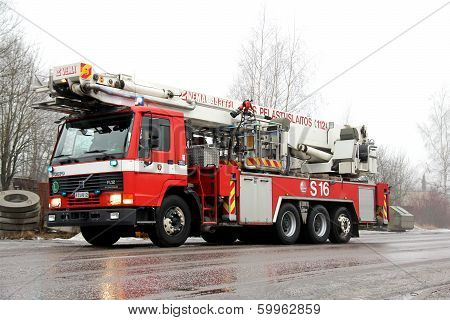 Volvo Fl12 Intercooler Fire Truck Rushing To The Fire Scene
