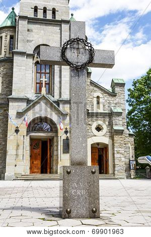 Cross And The Holy Family Church