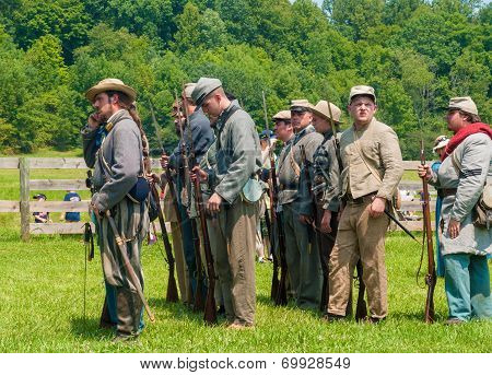 Confederates Lining Up