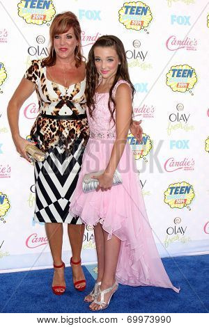 LOS ANGELES - AUG 10:  Dance Moms Cast at the 2014 Teen Choice Awards Press Room at Shrine Auditorium on August 10, 2014 in Los Angeles, CA