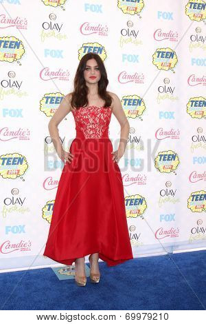 LOS ANGELES - AUG 10:  Odeya Rush at the 2014 Teen Choice Awards at Shrine Auditorium on August 10, 2014 in Los Angeles, CA