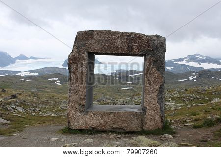 Foursquare coreless stone form. Travel Norway.