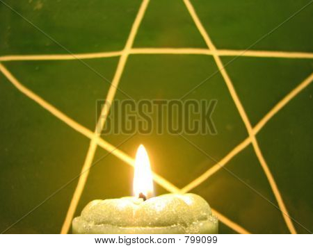 greenpentcandle