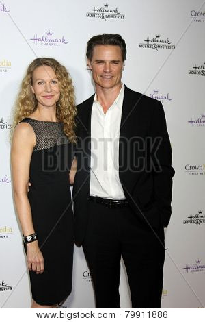 LOS ANGELES - JAN 8:  Becky Southwell, Dylan Neal at the Hallmark TCA Party at a Tournament House on January 8, 2014 in Pasadena, CA
