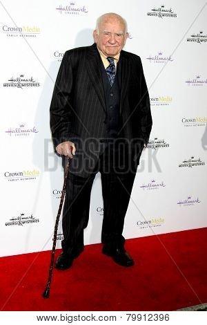 LOS ANGELES - JAN 8:  Ed Asner at the Hallmark TCA Party at a Tournament House on January 8, 2014 in Pasadena, CA