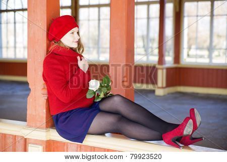 Woman On Boundaries Adjust Red Coat Collar