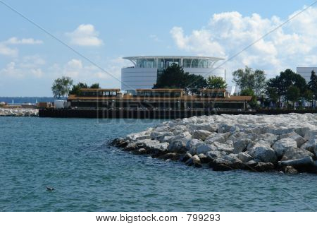 A picture of the new Marina at the Milwaukee lakefront