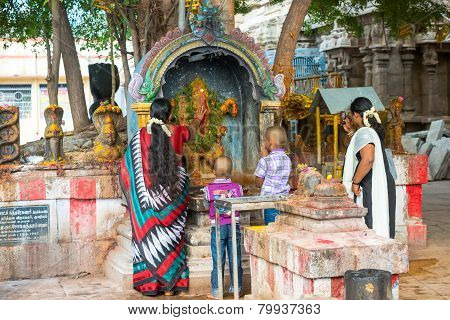 Madurai, India - February 16: An Unidentified Boys And Woman In Traditional Indian Dress Are Commiti