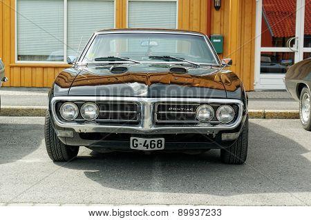 Pontiac In Black