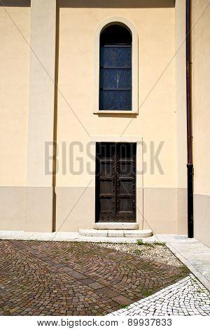 Brown Door Europe Italy Lombardy
