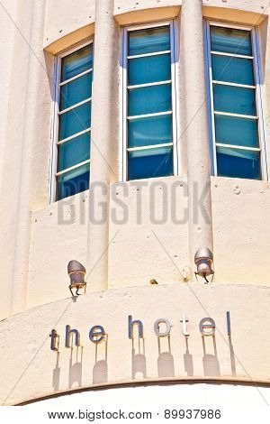 Hotel Sign In Beautiful Historic  Art Deco District In South Miami