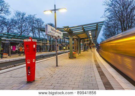 Metro Station Kellinghusen Strasse at night