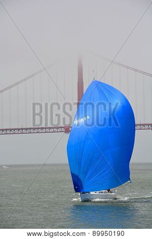 Sailboat in front the Golden Gate bridge