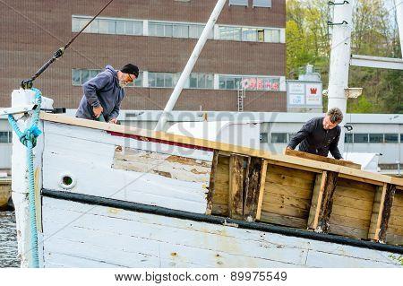 Fixing Ship