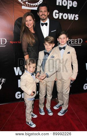 LOS ANGELES - MAY 3:  Julianne Morris, Kristoffer Polaha, family at the