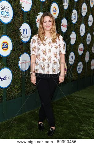 LOS ANGELES - APR 26:  Drew Barrymore at the Safe Kids Day LA at the The Lot on April 26, 2015 in Los Angeles, CA