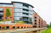 image of jericho  - Residential building on the Oxford Canal - JPG