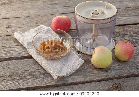 Concept Of Environmental Children's Homemade Applesauce