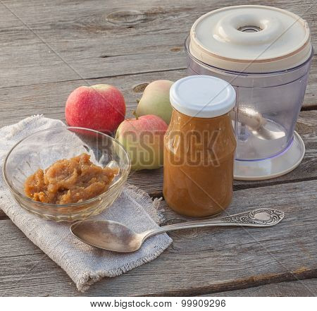 The Concept Of Environmental Children's Homemade Applesauce