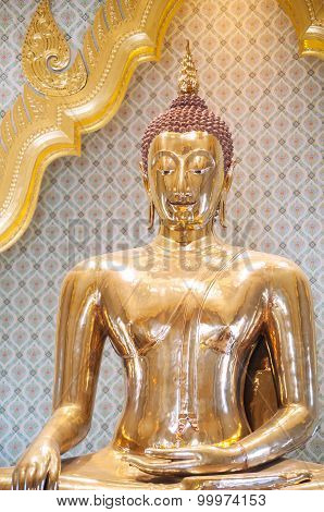 The World's Largest Solid Gold Buddha Statue At Wat Traimit, Bangkok