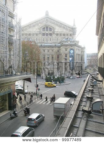 Galeries Lafayette and street