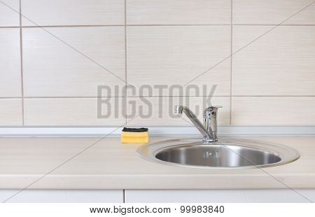 Kitchen Sink With Sponge