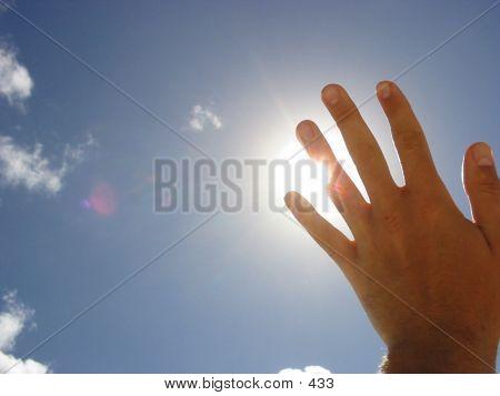 Tom's Sky Hand